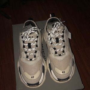 Balanciaga Triple S trainers Grey